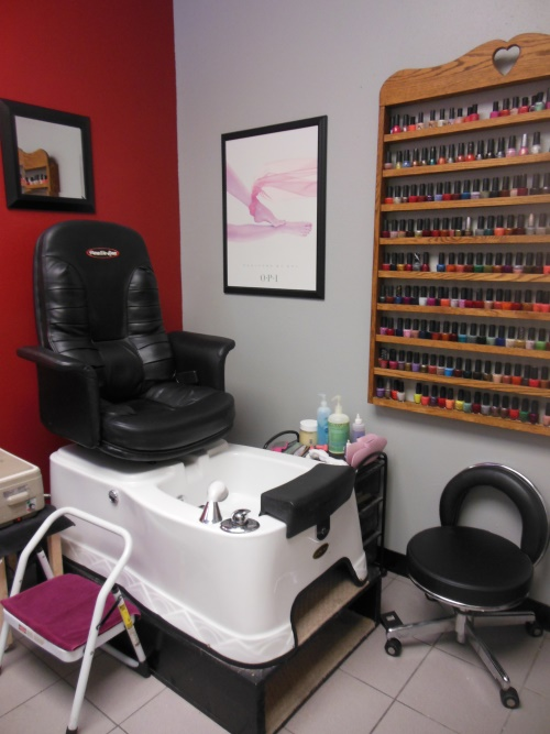 Nail Salon Services | GQ Hairstyling & Tanning